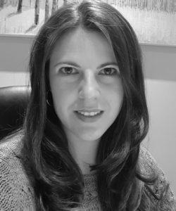 Dr Maríza Tunmer